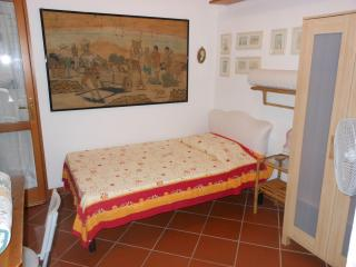 Romantic 1 bedroom Quercianella House with Satellite Or Cable TV - Quercianella vacation rentals