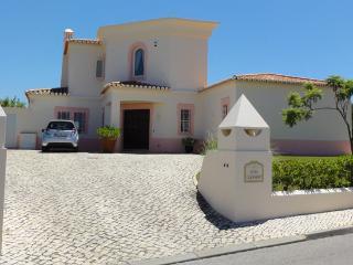 Casa Oleander, luxury villa near golf course - Carvoeiro vacation rentals