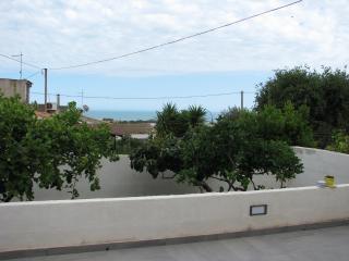 Villetta con vista mare - Marina di Ragusa vacation rentals
