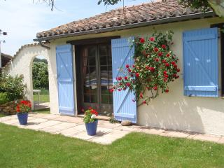 Lovely 2 bedroom Gite in Montmaur - Montmaur vacation rentals