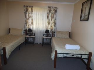 Perfect Cottage with Iron and House Swap Allowed - Broken Hill vacation rentals