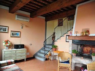 Nice House in Castelfiorentino with Deck, sleeps 8 - Castelfiorentino vacation rentals