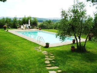 Comfortable 2 bedroom Farmhouse Barn in Arezzo with Mountain Views - Arezzo vacation rentals