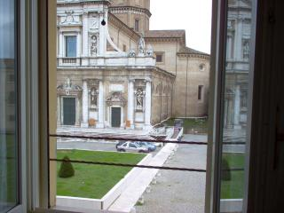 La Loggetta apt 5, in historic center, parking - Ravenna vacation rentals
