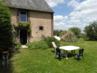 1 bedroom Gite with Television in Courdemanche - Courdemanche vacation rentals