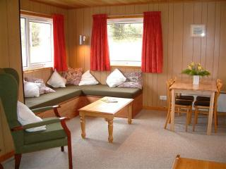 Cozy 2 bedroom Chalet in Taynuilt with Internet Access - Taynuilt vacation rentals