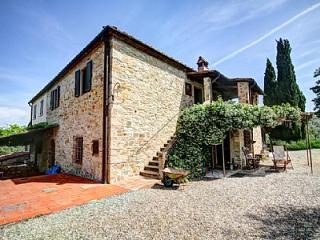 Nice 4 bedroom House in San Donato in Poggio with Deck - San Donato in Poggio vacation rentals