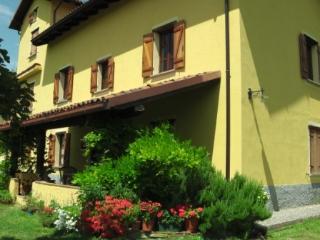 La Coccolina B&B , Elizabeth room - Cremolino vacation rentals