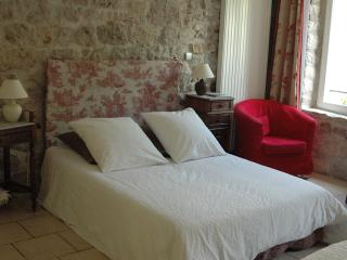 Nice Guest house with Internet Access and Wireless Internet - Le Caylar vacation rentals