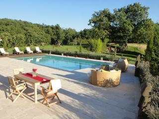 Charming Gite in Boulogne sur Gesse with Internet Access, sleeps 6 - Boulogne sur Gesse vacation rentals