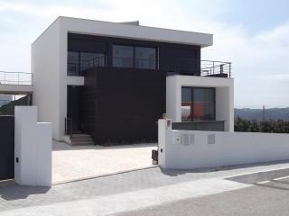 villa moderne  piscinne  vue sur mer - Alcobaca vacation rentals