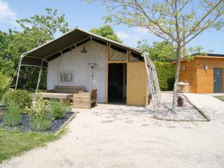 3 bedroom Bed and Breakfast with Internet Access in Jonzac - Jonzac vacation rentals