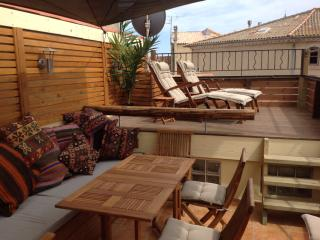 Perfect Townhouse with Internet Access and A/C - Marseillan vacation rentals