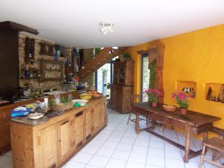 Bright 6 bedroom Saint-Jean-du-Gard Villa with Internet Access - Saint-Jean-du-Gard vacation rentals