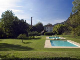 Charming Bed and Breakfast with Internet Access and Garden - Camaiore vacation rentals