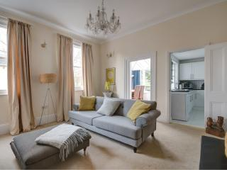 Denham Lodge near Montpellier - Cheltenham vacation rentals