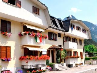 Cozy 1 bedroom Tarvisio Townhouse with Garden - Tarvisio vacation rentals