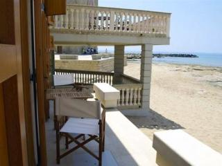 2 bedroom Condo with A/C in Punta Secca - Punta Secca vacation rentals