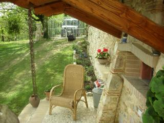 Romantic 1 bedroom Rocca Sinibalda Farmhouse Barn with Internet Access - Rocca Sinibalda vacation rentals