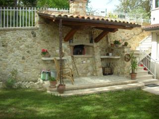Bright 1 bedroom Farmhouse Barn in Rocca Sinibalda with Internet Access - Rocca Sinibalda vacation rentals