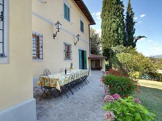 Nice House in Figline Valdarno with Shared Outdoor Pool, sleeps 10 - Figline Valdarno vacation rentals