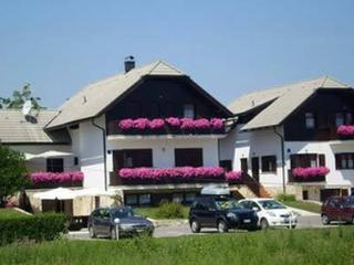 Etno garden apartment H3 - Plitvica vacation rentals