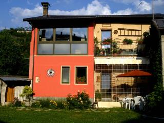 Romantic 1 bedroom Cuneo Cottage with Internet Access - Cuneo vacation rentals
