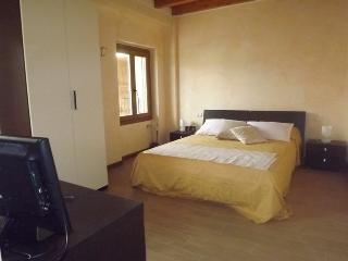 Bright 6 bedroom B&B in Bergamo - Bergamo vacation rentals