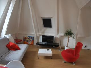Comfortable 1 bedroom Condo in Groningen with Internet Access - Groningen vacation rentals