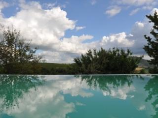 Gorgeous 3 bedroom Farmhouse Barn in Servigliano - Servigliano vacation rentals