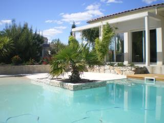 Nice Villa with Internet Access and A/C - Montpellier vacation rentals