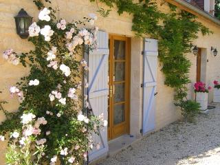 Beautiful 2 bedroom Domme Gite with Internet Access - Domme vacation rentals