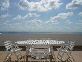 Beautiful 1 bedroom Marina di Nocera Terinese Apartment with A/C - Marina di Nocera Terinese vacation rentals