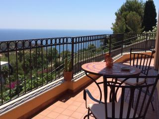 Casa Morgetia Junior With View - Taormina vacation rentals