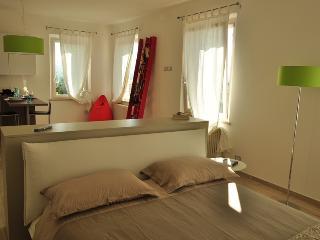 Perfect 1 bedroom Apartment in Guazzino - Guazzino vacation rentals