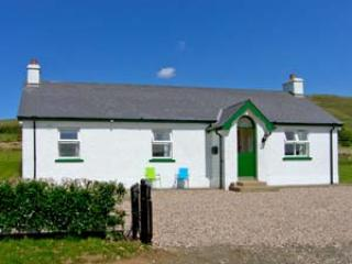 2 bedroom Cottage with Parking Space in Armoy - Armoy vacation rentals