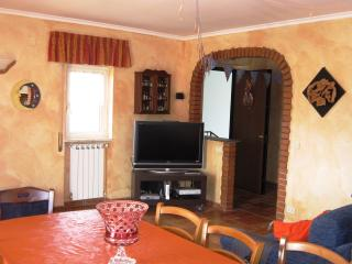 Romantic 1 bedroom Ariccia Penthouse with Internet Access - Ariccia vacation rentals