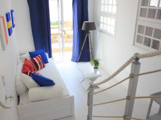 2 bedroom House with Internet Access in Saint Pol de Leon - Saint Pol de Leon vacation rentals