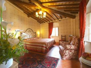 2 bedroom Apartment with Internet Access in Tognazza - Tognazza vacation rentals