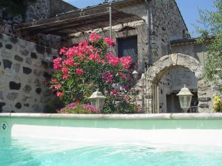 Nice Guest house with Internet Access and Shared Outdoor Pool - Chomerac vacation rentals