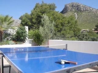 Bellresguard penthouse - WIFI, roof garden, aircon - Port de Pollenca vacation rentals