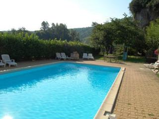La Carriere Gite Pool & Spa - Luzech vacation rentals