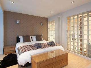 The York Place Residence - Edinburgh vacation rentals