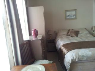 Comfortable Southport Studio rental with Internet Access - Southport vacation rentals