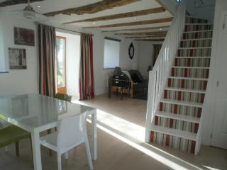 2 bedroom Cottage with Internet Access in Pontrieux - Pontrieux vacation rentals