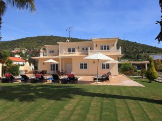 Spacious villa near Vilamoura, heated pool, WI-Fi - Vilamoura vacation rentals