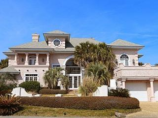Waterfront Mediterranean Estate. Perfect for small weddings, family reunions, and romantic getaways - Topsail Beach vacation rentals