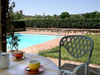 3 bedroom Villa in Monteriggioni, Siena Area, Tuscany, Italy : ref 2230377 - Monteriggioni vacation rentals