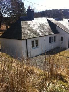 Comfortable Cottage in Foyers with Central Heating, sleeps 4 - Foyers vacation rentals