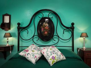 B&B Antico Granaione Mint bedroom - Rapolano Terme vacation rentals